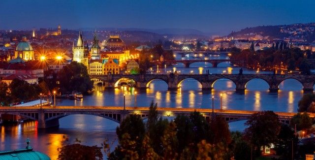 Dinner cruise - PRAGUE BY NIGHT