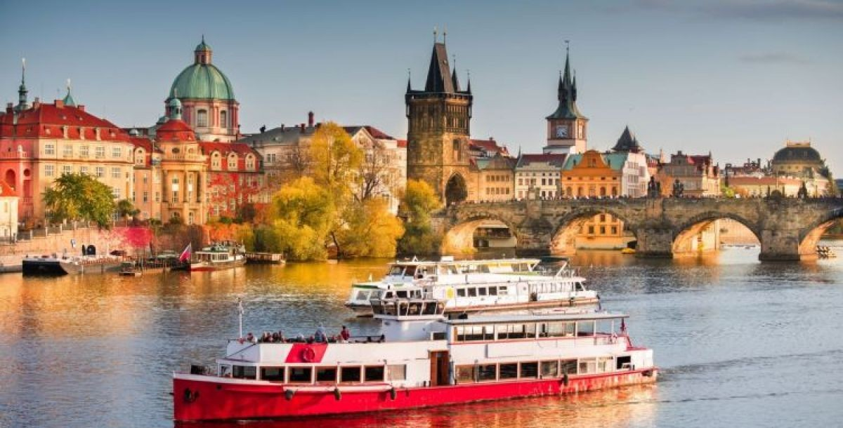Víkendová hodinová plavba po Vltavě od 4.10.2021