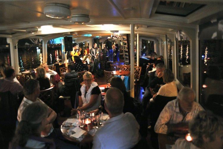 Plavba Prahou na Jazzboat