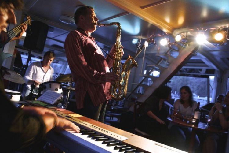 Živá jazzová hudba