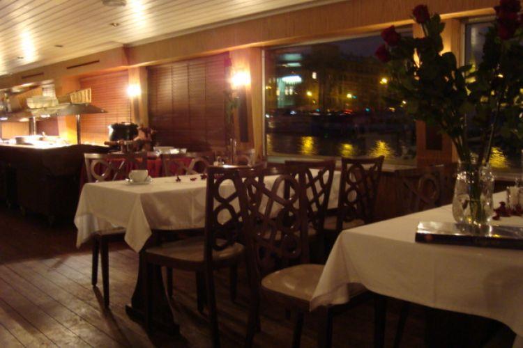 Valentýnská plavba s večeří a živou hudbou