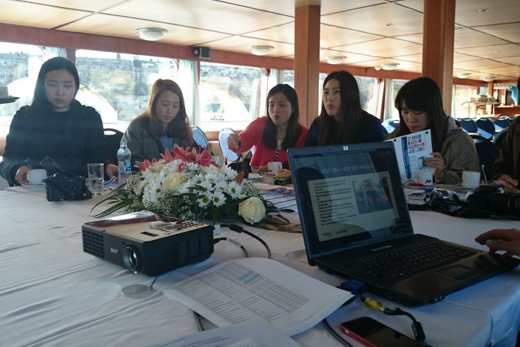 Prezentace korejské delegaci