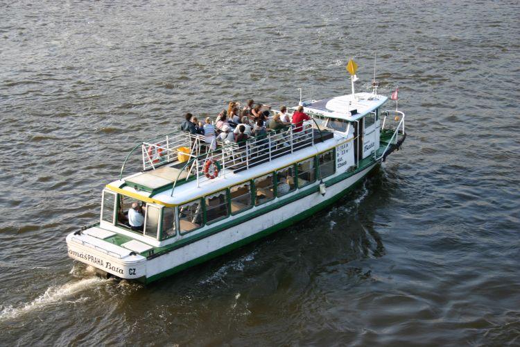 Poznávací plavby s průvodcem