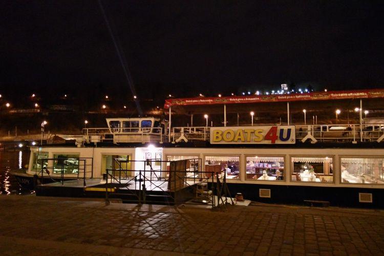Boat Slapy - pier no. 18