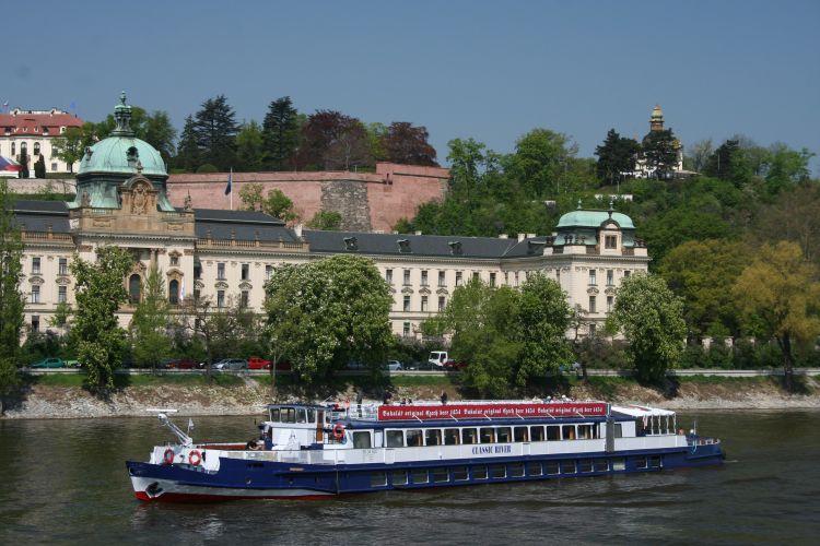 Classic river - Strakova akademie