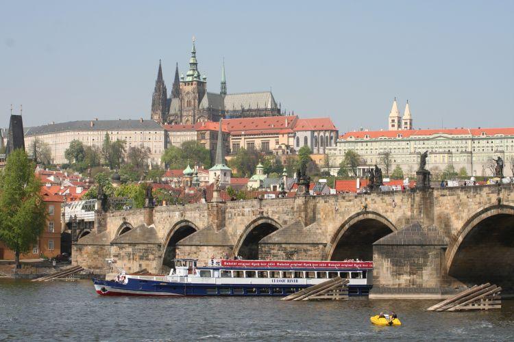 Classic River - Charles bridge and Prague castle