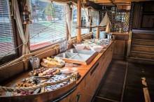 Rautové občerstvení na lodi Gladius